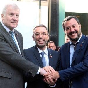 """Salvini: """"Migranti, patto dei volenterosi con Germania e Austria. Ue riconosca come sicuri i porti libici"""""""