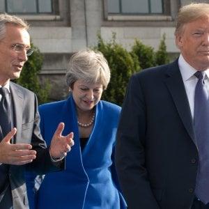 """Bruxelles, Trump: """"Alleati si sono impegnati a spendere di più"""" . Conte e Macron lo smentiscono"""