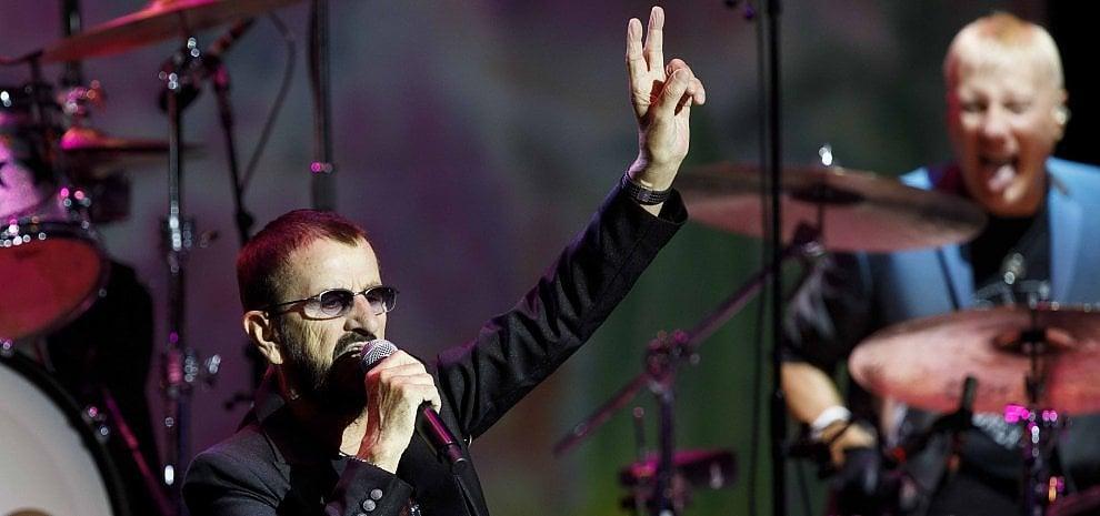 Ringo Starr, lo show delle stelle copre i Beatles