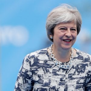 """Brexit, le contraddizioni di May: """"Stop ad europei in cerca di lavoro, solo professionisti"""""""