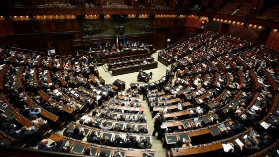 A Montecitorio primo decreto legge. E prima rissa della legislatura tra leghisti e Fdi