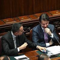 Sondaggi, sempre forte l'area di governo. Tre italiani su 4 fedeli all'euro. E Gentiloni...