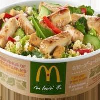 Stati Uniti, insalate di McDonald's contaminate: decine di casi di ciclosporiasi