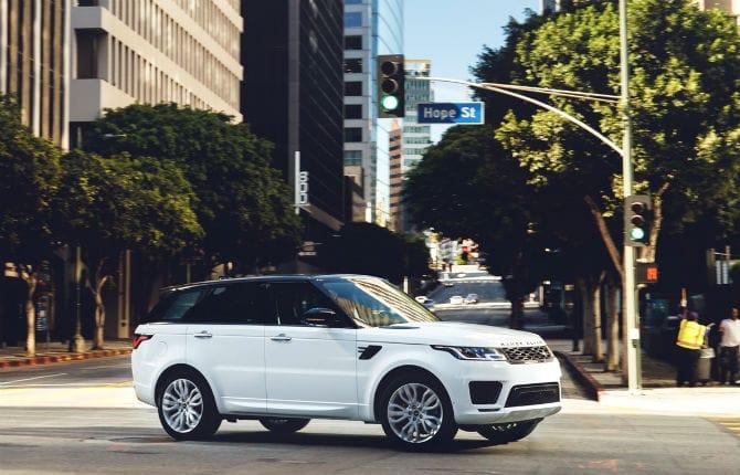 Range Rover Sport, ancora più performante e sicura