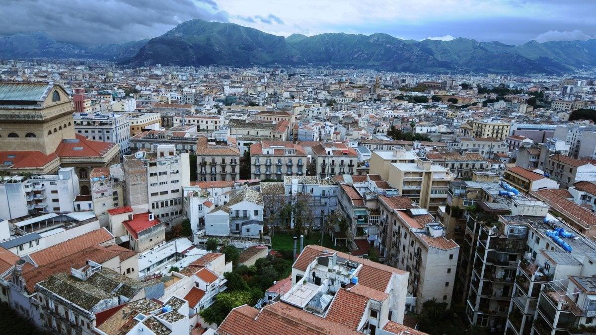 Le case degli italiani sono 75 milioni crescono le for Abitazioni di lusso