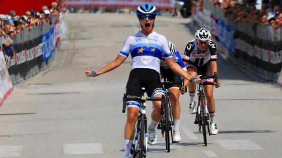 Giro d'Italia donne: colpo Vos a Breganze. Van Vleuten sempre in rosa