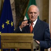Dai gufi ai cigni neri: cambiano le maggioranze, non i problemi dell'Italia