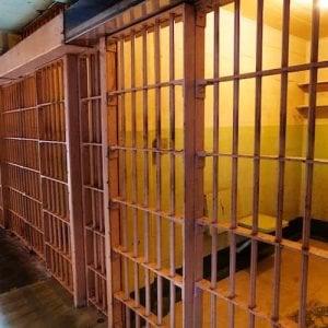 """Carceri, detenuto si toglie la vita a Pesaro. Il Garante: """"Situazione critica"""""""