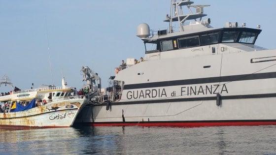 """Migranti, Conte: """"Italia ascoltata, Francia e Malta accoglieranno ognuna 50 persone"""""""