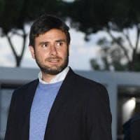 Migranti, Di Battista vuole aprire la frontiera (americana)