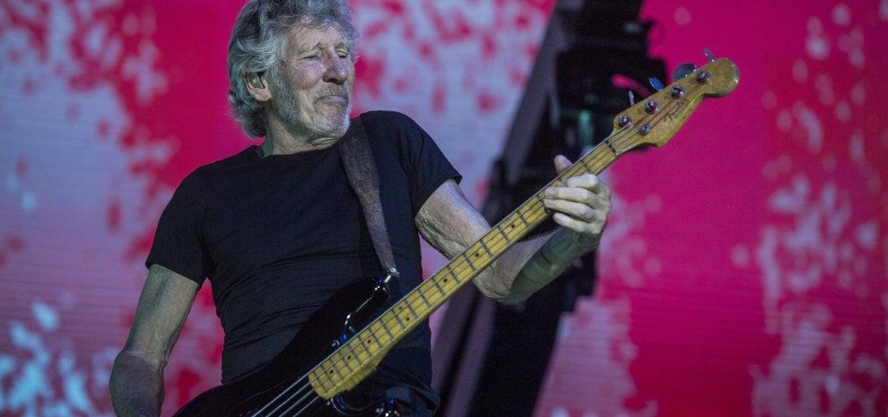 Lo show totale di Roger Waters al Circo Massimo: musica, immagini e politica