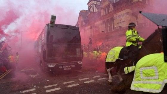 Incidenti Liverpool-Roma il tifoso dei Reds Sean Cox esce dal coma