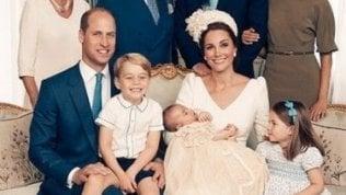 Ecco le prime foto ufficiali del battesimo principino Louis