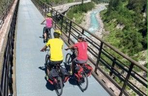 Ritmi lenti, cantine  e trattorie: è il Friuli Venezia Giulia visto dalla bici