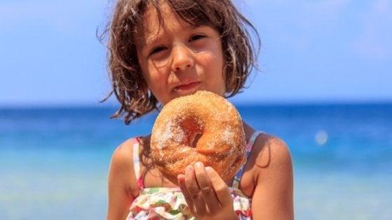 Estate: tempo di strappi alla regola, ma attenzione all'alimentazione dei bambini