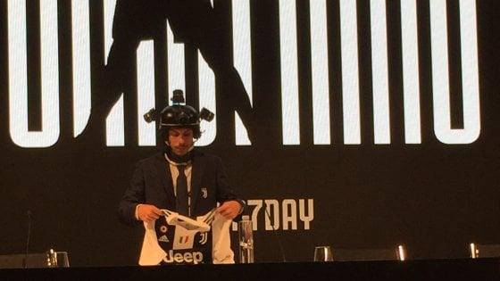 Juventus, Ronaldo in 3D: ecco il casco per rivivere il suo primo giorno in bianconero