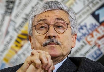 Caro Massimo D'Alema, dovevi andare in pensione da tempo