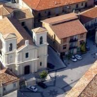 Ancona, anziana trovata morta in casa con ferite alla gola