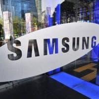 Samsung, tre versioni per il Galaxy S10 e lettore d'impronta integrato nello