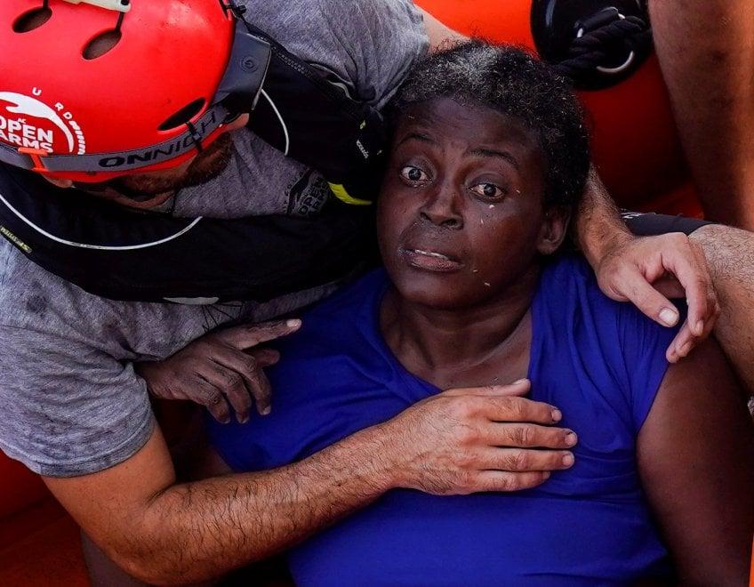 Josephine, l'unica sopravvissuta al naufragio libico: è rimasta 48 ore in acqua attaccata a un pezzo di legno