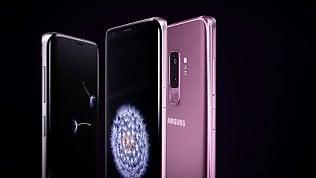 Samsung, tre versioni per il Galaxy S10 e lettore d'impronta integrato nello schermo