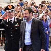 Se la realtà inchioda la vita social di Salvini