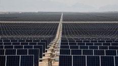 Calano gli investimenti in rinnovabili, risalgono le fonti fossili: Preoccupante per sicurezza e clima