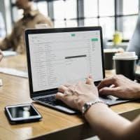 Ricevere mail maleducate in ufficio ci rende più stressati