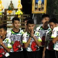 """Thailandia, il racconto dei ragazzi intrappolati nella grotta: """"Salvi per un miracolo"""""""