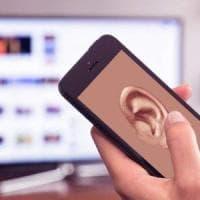 Smartphone e assistenti virtuali ci ascoltano di nascosto?