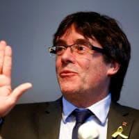 Catalogna, niente estradizione per Puigdemont: il giudice ritira il mandato