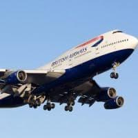 Atterraggio d'emergenza a Londra per aereo partito da Napoli
