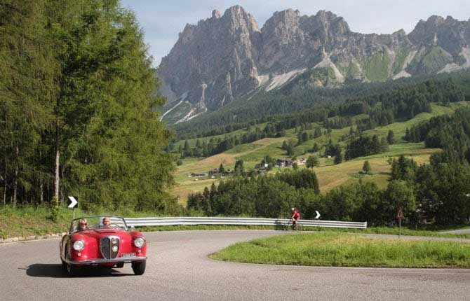 Coppa d'Oro delle Dolomiti, torna il Barnum delle classic car