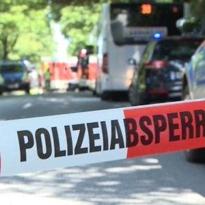 """Lubecca, 9 accoltellati su un bus. Due sono gravi. """"Non è escluso il movente terrorista"""""""