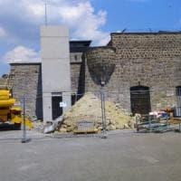 """Mauthausen, scontro sull'ascensore in costruzione. Gli ex deportati: """"Abbattetelo,..."""