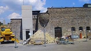 """Mauthausen, è scontro su un ascensore in costruzione. Gli ex deportati: """"Offende la memoria"""""""