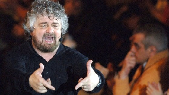 """Beppe Grillo compie 70 anni, gli auguri di Di Maio e centinaia di messaggi. M5s: """"Il paziente zero che ha diffuso il virus"""""""