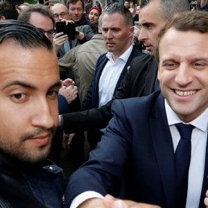 Francia, scandalo Benalla: arrestati i tre poliziotti coinvolti nel caso che imbarazza l'Eliseo