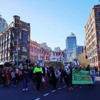 """Australia: migliaia di persone dicono """"basta"""" alla linea durissima contro i migranti"""