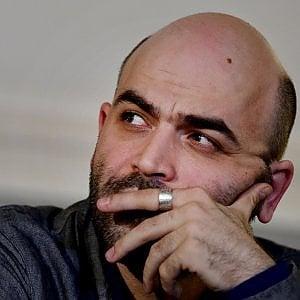 """L'appello di Roberto Saviano: """"Rompiamo il silenzio contro la menzogna"""""""
