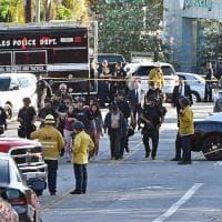 Ostaggi nel market di Los Angeles, l'assedio della polizia