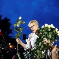 Polonia, rimossa la giudice capo della Corte suprema. Ma lei si ribella