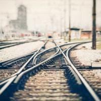 Offende ragazzo disabile sul treno ma poi chiede scusa: