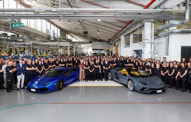 Record Lamborghini, 8.000 Aventador appena sfornate