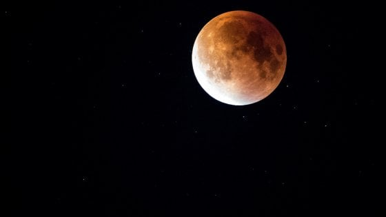Eclissi, ecco dove assistere allo spettacolo della Luna rossa