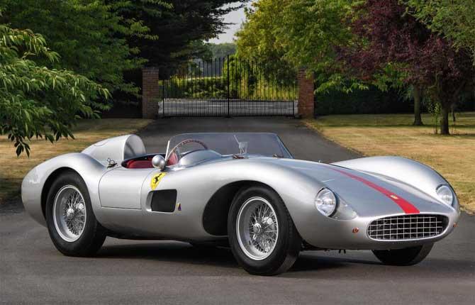 Ferrari da capogiro ad Hampton Court Palace