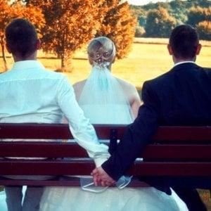 Sposato e con una figlia, si scopre gay: matrimonio nullo solo per la Chiesa