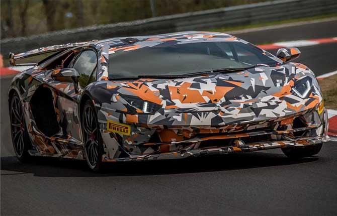 Lamborghini Aventador SVJ, è già da record