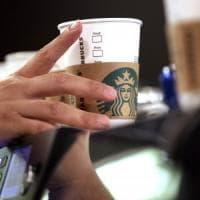 Starbucks, i conti volano. Merito dell'aumento dei prezzi