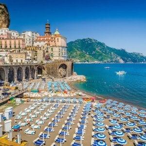 Case-vacanza, boom di affitti brevi. Campania e Basilicata le regine del fenomeno